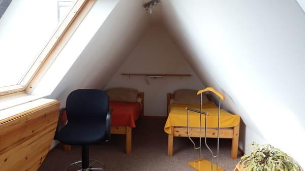 2. Schlafraum mit Einzelbetten