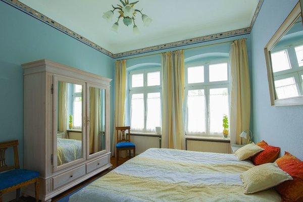 Zudem ist eines der beiden Schlafzimmer ...