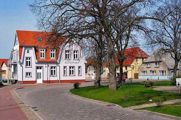 Alte Post in Gingst, heute ein Café, Bistro und Weinstube