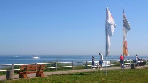 Die ruhige Promenade im Ostseebad Nienhagen.