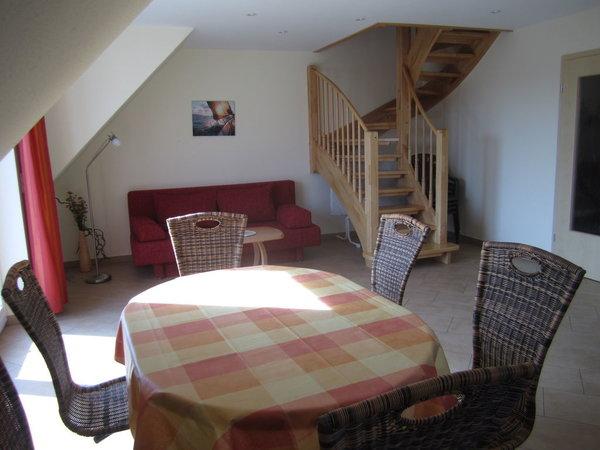 Wohnraum mit ausziehbarer Couch