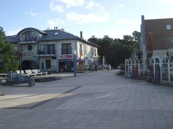Promenade mit Restaurants und Cafe's