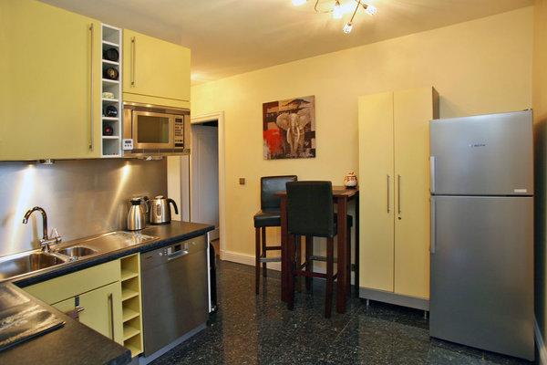 Küche mit zusätzlichem Essplatz