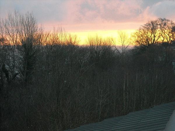 Sonnenaufgang über dem Meer vom Schlafzimmer aus