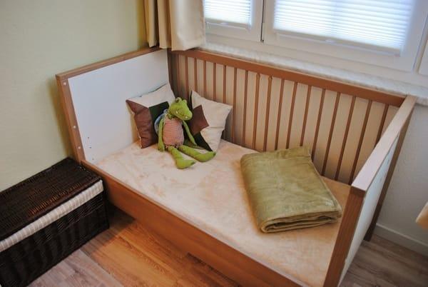 Kinderbett mit Sprossensicherung