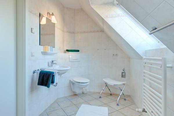 Bad mit Dusche - 70m² Wohnung