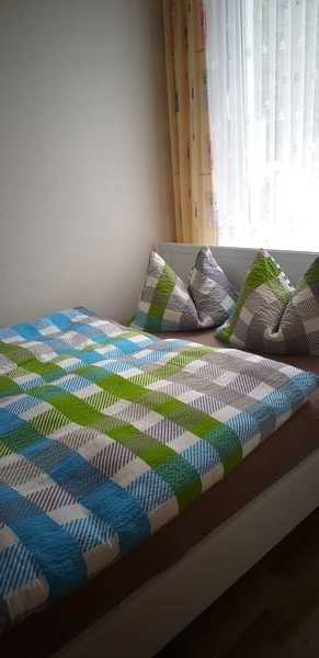 Schlafzimmer 2 Bett 160 cm x 200 m mit ungeteilter Liegefläche