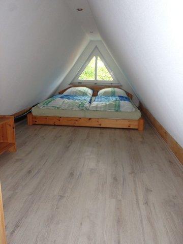 Schlafboden, maximale Deckenhöhe 1,60m !!!