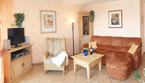 Mediterran eingerichtetes Wohnzimmer