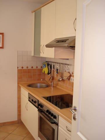 Separate Küche mit Backofen