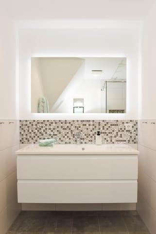 Waschtisch & LED Touch Spiegel