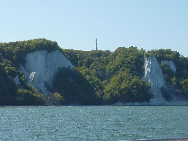 Die wunderschönen Rügener Kreidefelsen, zu denen Sie von der Selliner Seebrücke eine Schiffstour machen können. Auf jeden Fall einen Ausflug wert!