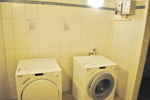 Waschmaschine und Wäschetrockner gegen Gebühr