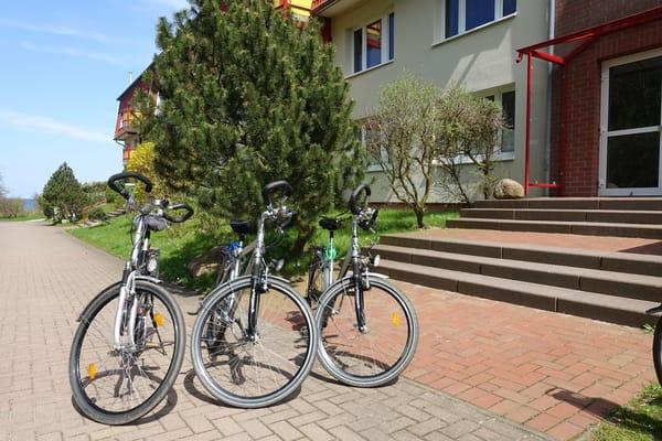 Unsere Fahrräder vorm Hauseingang