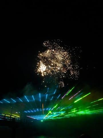 Inspiration- Lichtertanz der Elemente jedes Jahr an der Seebrücke