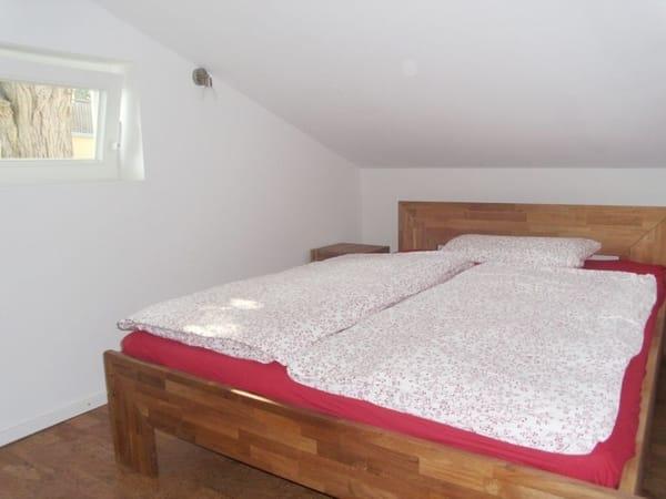 Doppelbett, Schlafbereich mit Dachschrägen