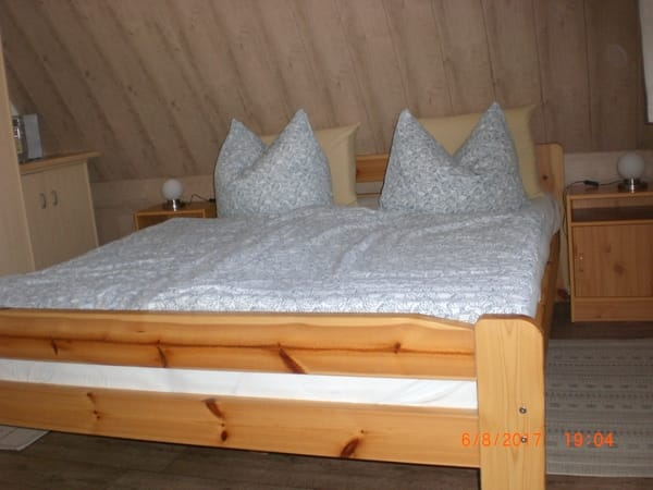 Bett im 2 Zimmer
