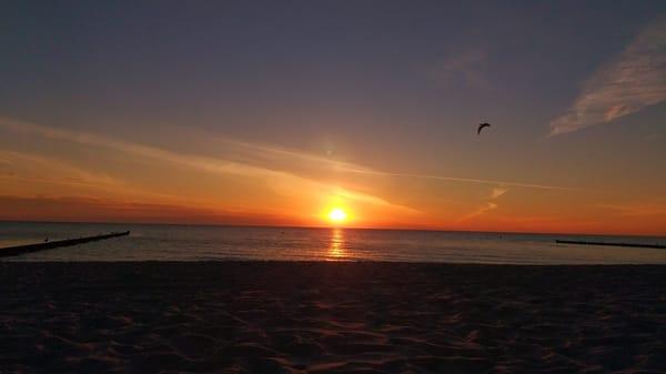 Sonnenaufgang am Strand von Kölpinsee