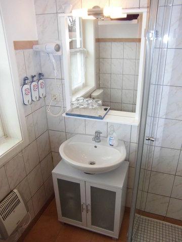 Bad, Waschbecken, Spiegel, Fön