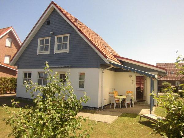 Haus-Rückansicht mit Terrasse