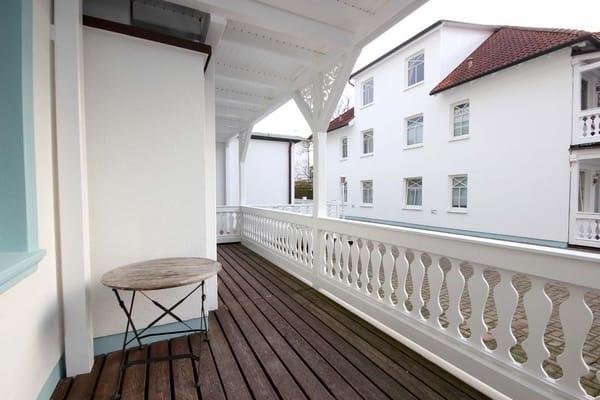 Balkon (Bild 2)