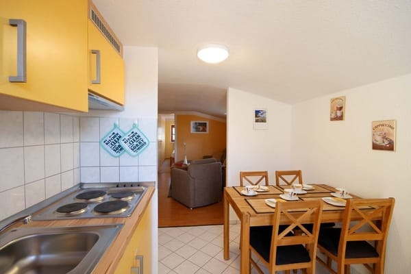 separate Küche (Bild 2)