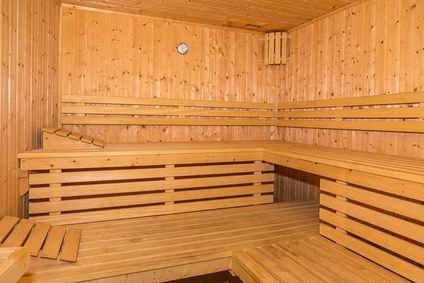 Im Haus befinden sich gegen Gebühr Sauna ...