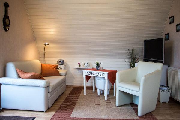 ferienwohnung ute koch 2 zimmer ferienwohnung lilly mit balkon prerow fischland darss. Black Bedroom Furniture Sets. Home Design Ideas