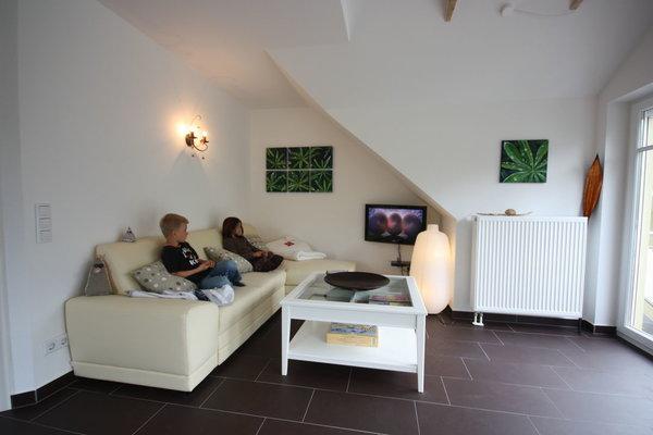 Sitzecke mit Fernseher