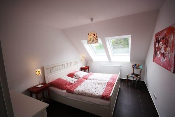 Svhlafzimmer mit Doppelbett