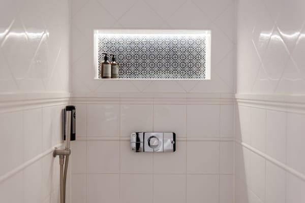 beheizter Spiegel mit bluetooth & Dusch WC