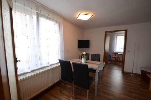 Wohnzimmer Eßecke, Blick ins SZ 2