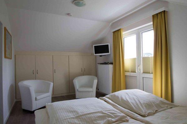 Ansiicht Schlafzimmer mit Ausgang Balkon