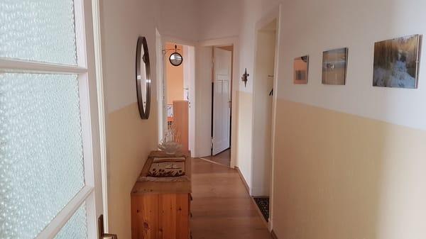 Wohnungsflur - alle Zimmer separat begehbar