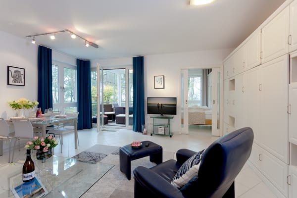 Das ruhige gelegene 2-Raum-Appartement der Villa Darja erwartet Sie in erster Reihe – direkt an der Strandpromenade von Seebad Heringsdorf gelegen – zu erholsamen Urlaubstagen.