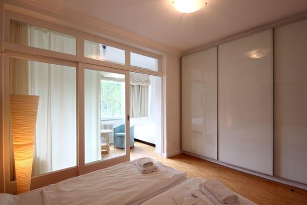Vom Hauptschlafzimmer aus gelangt man in den 2. Schlafbereich.