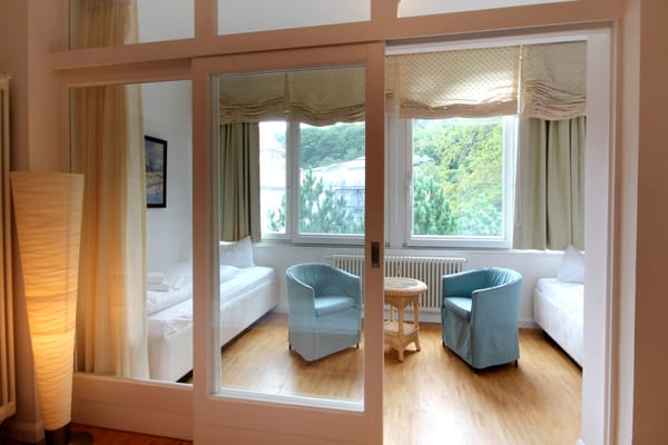 2. Schlafbereich im Wintergarten mit 2 Einzelbetten