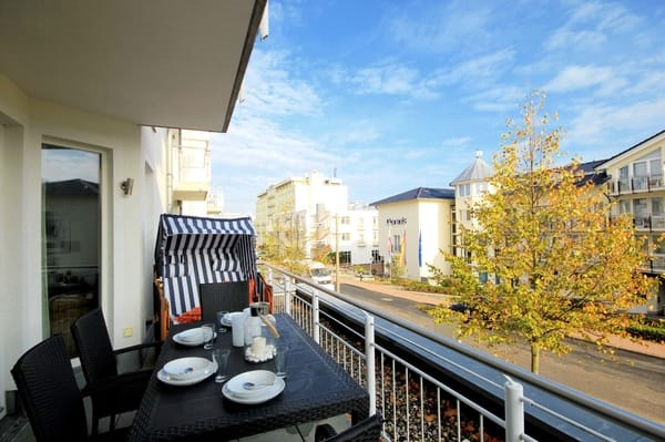 Balkon mit eigenem Strandkorb