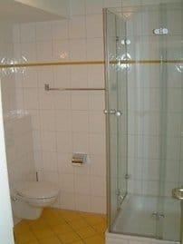 Geräumiges Duschbad auf der Wohnebene