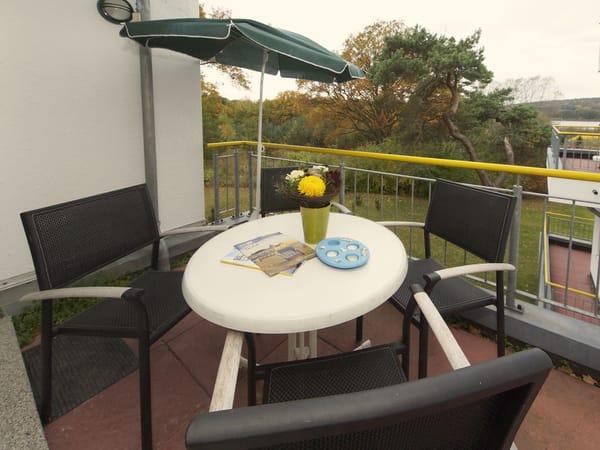 Balkon mit Sitzgelegenheiten
