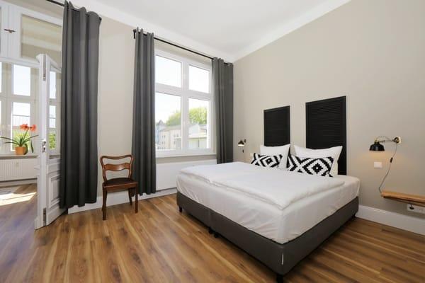 Schlafzimmer 2 mit Loggia