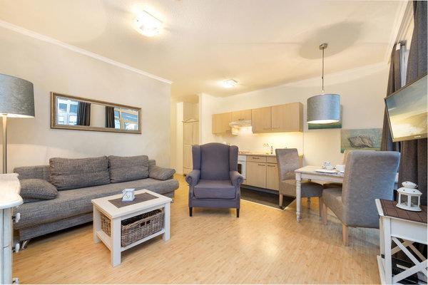 Das Wohnzimmer bietet Ihnen TV, WLAN, Stereoanlage und Küchenzeile.