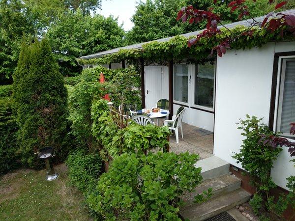 Doppel-Bungalowhälfte / Ferienwohnung mit Sonnenterrasse