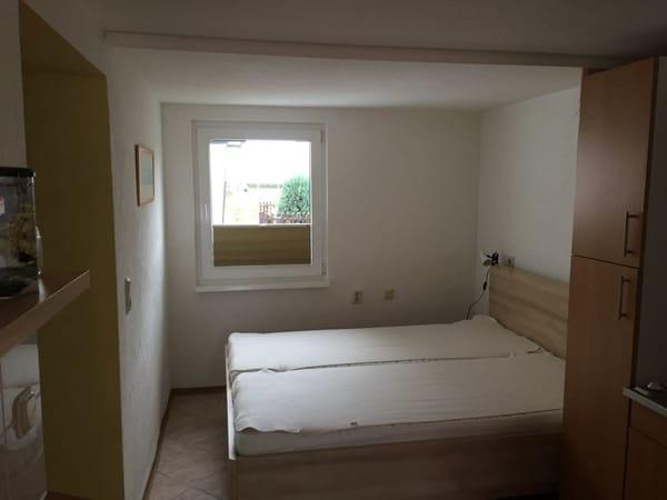 Schlafmöglichkeit mit Doppelbett