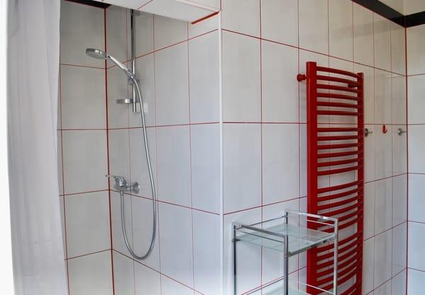 2. Blick in das Bad.