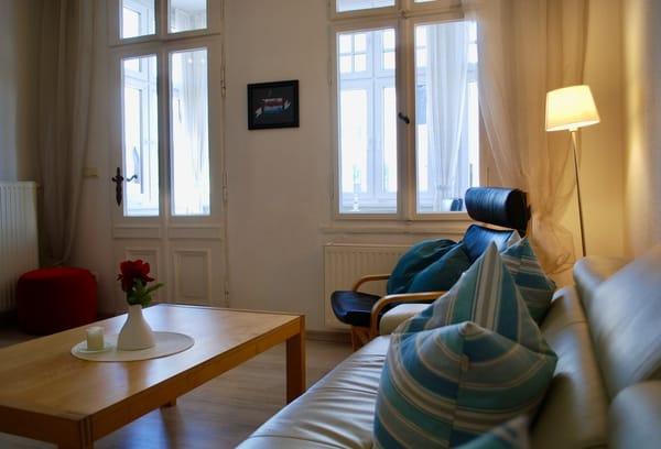 2.Blick in den Wohnraum.