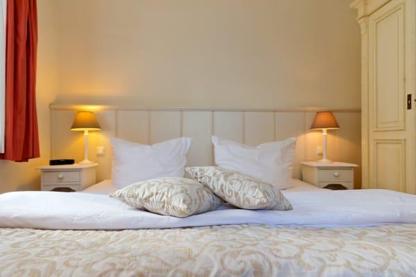 ... ist mit einem komfortablen Doppelbett (180x200cm) ausgestattet.