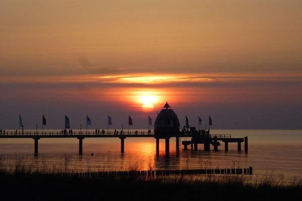 Seebrücke Zingst vor  Sonnenuntergang