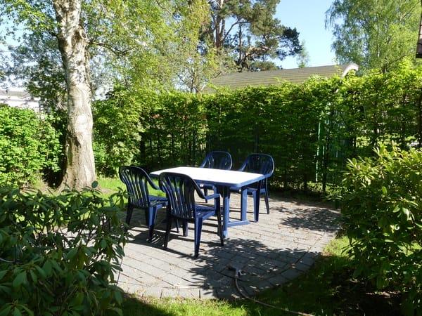 Sitzplatz und Gartenbereich für OG-Wohnung