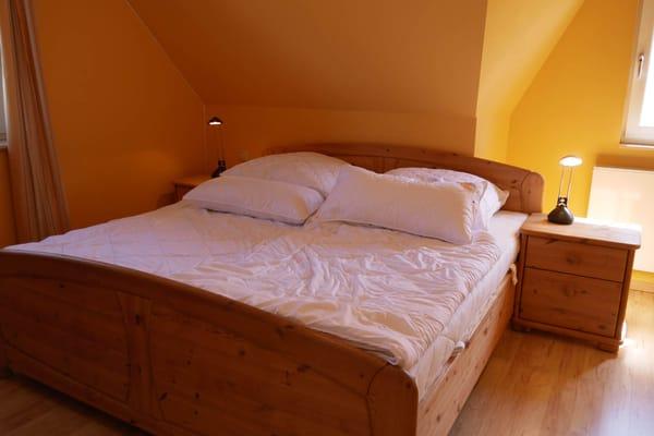 Elternschlafzimmer (Doppelbett)